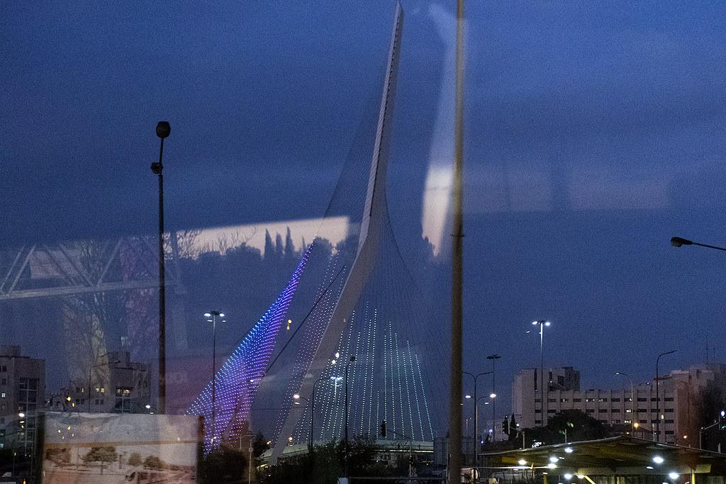 Bridge os Strings, Jerusalem by night  