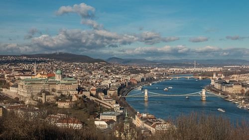 2018 365project 70d budapest canon chainbridge cloudporn danube donau duna hungary lanchid magyarorszag royalpalaceofbuda city cityscape clouds colours landscape outdoor outside sky tel urban winter 1500v60f