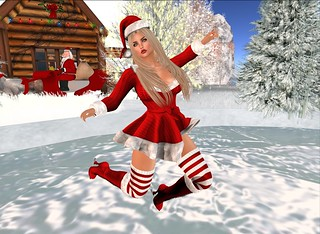 SHAKE UP CHRISTMAS (LuLu MISS SANTA)