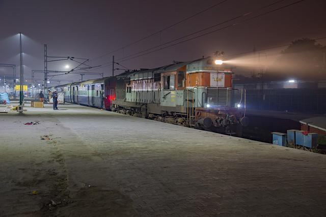 Indian Railways WDM-3A 18952R Amritsar Jcn