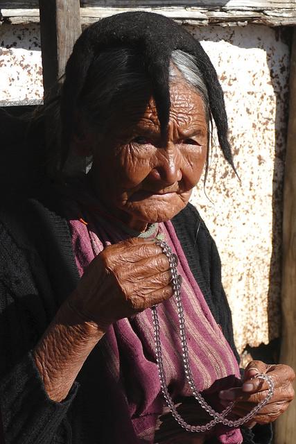 Vieille femme Monpa