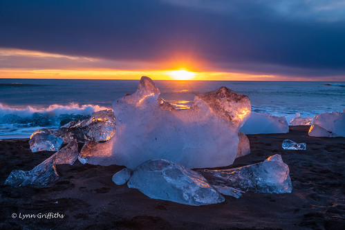 beach landscape morninglight water sunrise ocean glacier coast blacksand ice landscapephotography outdoorphotography easternregion iceland is