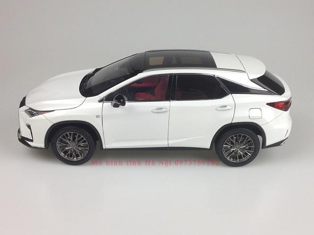 1 18 mo hinh tinh Paudi Dealer Lexus RX200T qua tang sang trong y nghia dan ong ha noi viet nam diecast 118 (8)