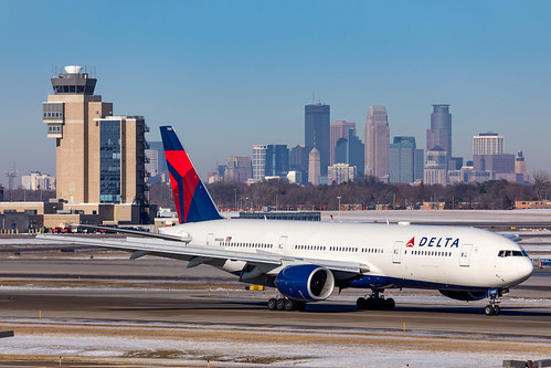 minneapolisstpaulinternationalairport msp kmsp mspairport aviation avgeek aviationphotography deltaairlines delta boeing 777 777232er minneapolis skyline 777200 b772 dal120 hndmsp rjttkmsp