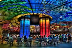 В разных городах мира существуют такие станции метро, в которые хочется спуститься хотя бы ради того, чтобы посмотреть на их невероятную архитектуру и дизайн.