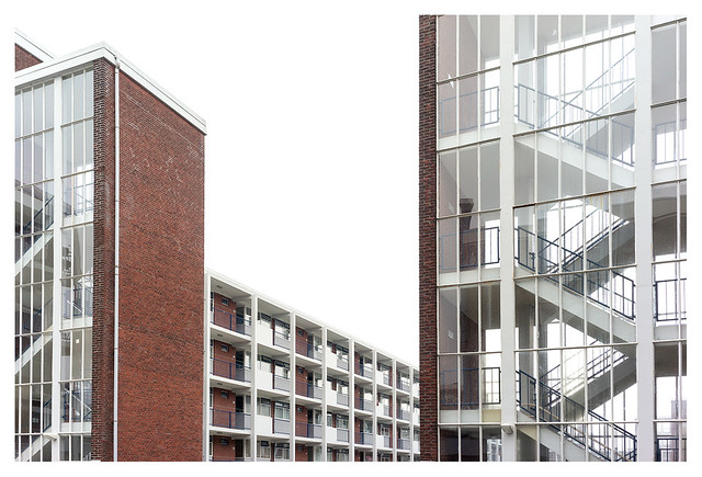 Post-war urban expansion through modernist architecture (The Hague 1951-1967)