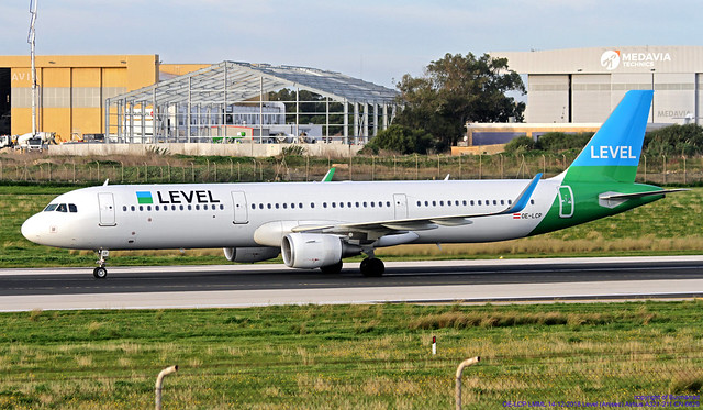 OE-LCP LMML 14-12-2018 Level (Anisec) Airbus A321-211 CN 6629