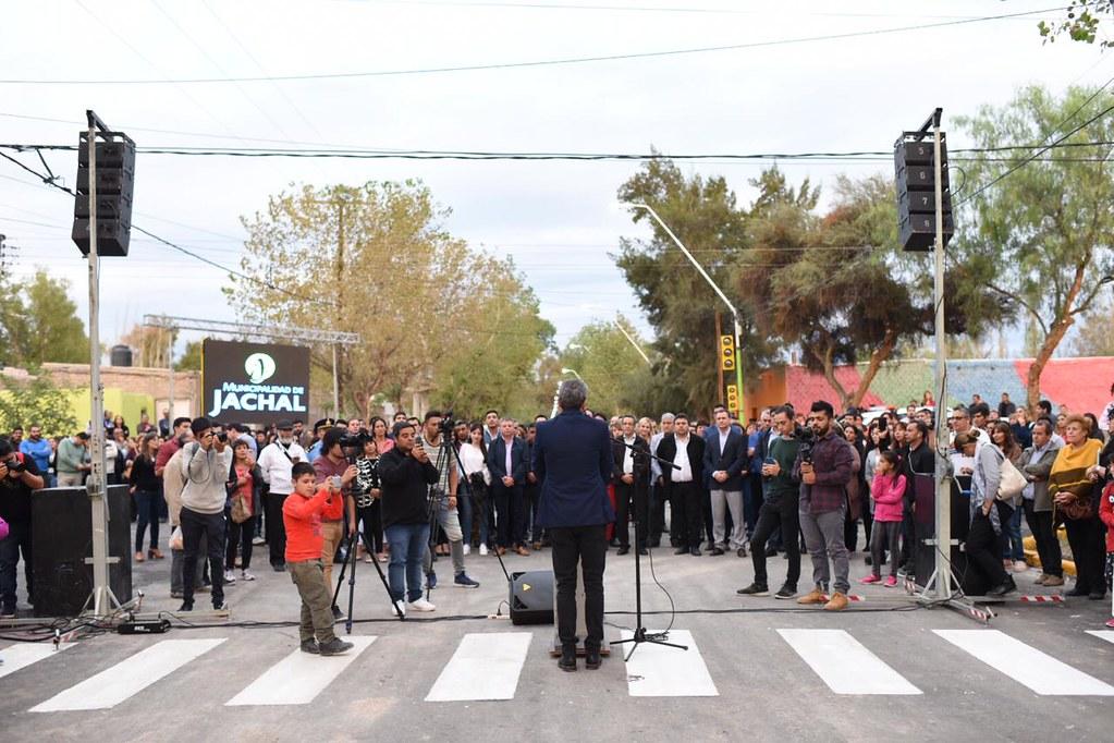 """2019-03-15 PRENSA: """"Uñac inauguró pavimento, luminarias y entregó viviendas en Jáchal"""""""