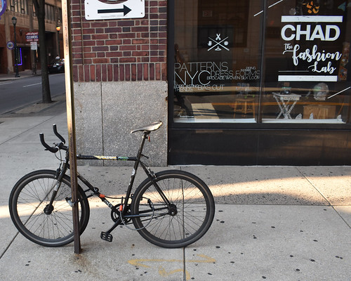 Bicycle in front of Chad the Fashion Lab
