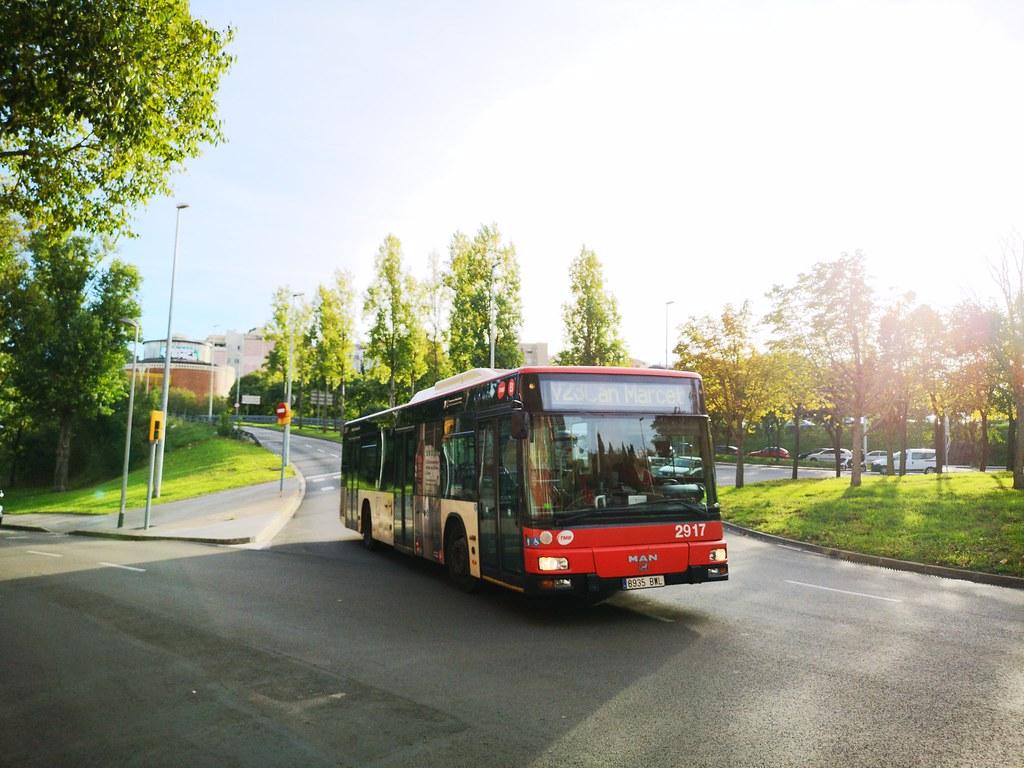 Segundo dia de la linea V23 TMB 2917 | Miniautobusero | Flickr