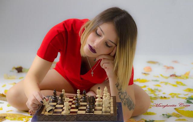 Uno scacchista è come uno strumento musicale? Certo, è molto sensibile: basta un niente a scordarlo. (Anonimo)