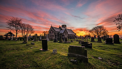 stannschurch lydgate saddleworth pennine sunset clouds tree gravestones graveyard church evening orange sky craighannah 2018 november photography photos canon landscape building structure westriding yorkshire oldham greatermanchester england uk british village