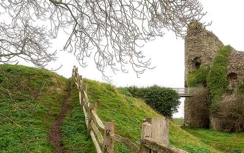 365 1001 pevensey castle