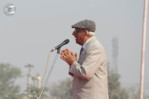 V.D. Nagpal Ji, Member Incharge Sewadal seeking blessings