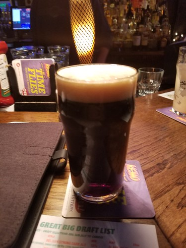2018 Winking Lizard World Tour of Beers #102: Yuengling porter - It's a porter, but not the most memorable one. | by kevingamin