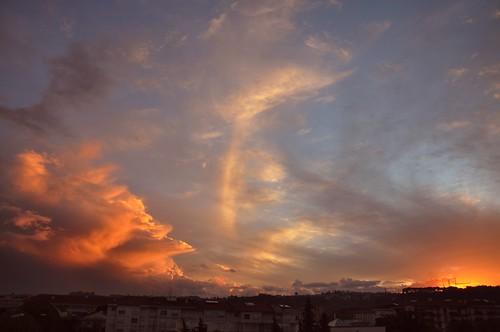 sunset clouds cloud pordosol nuvem nuvens portugal portugalia portugalsko portugália portugalija portugali portugale portugalsk portogallo portugalska portúgal portugāle tomar sky dusk albaluminis