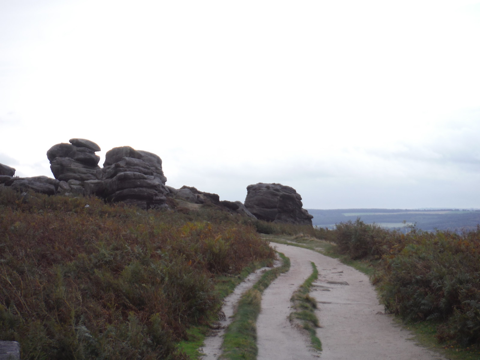 Gritstone Boulders, Froggatt Edge SWC Walk 322 - Grindleford Circular (via Chatsworth House)