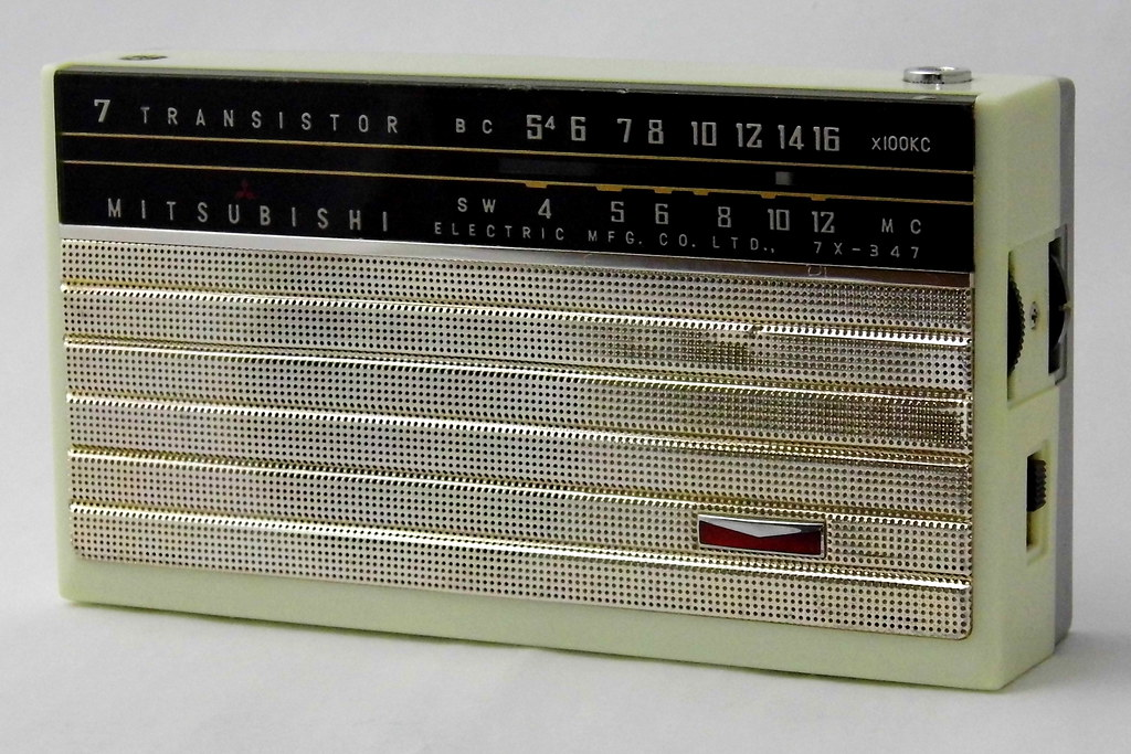 Vintage Mitsubishi Transistor Radio, Model 7X-347, Broadca… | Flickr