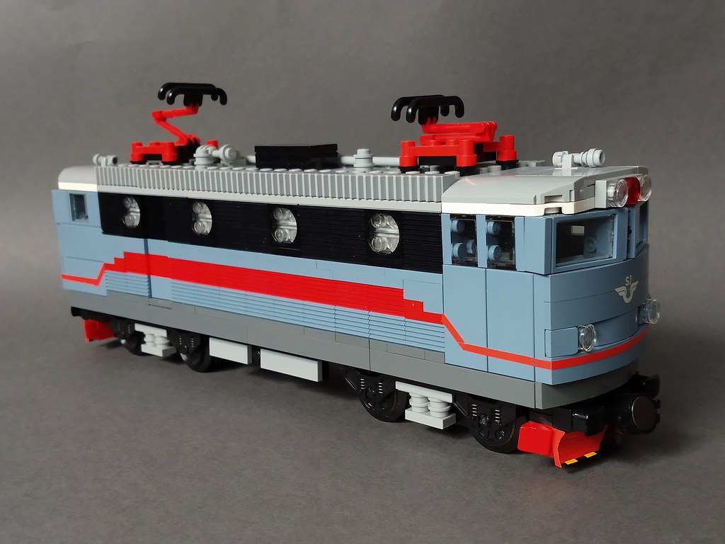 Swedish Rc locomotive in Sand Blue/Red/Black colours  8-wi