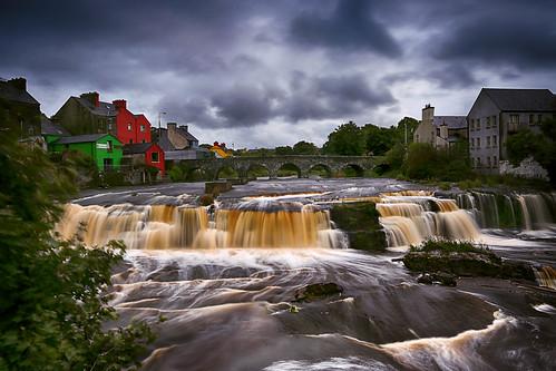 cascadesofennistymon waterfalls ennistymon countyclare rapids ireland republicofireland landscape dramaticsky cascade canon5dmarkiii ef1635mmf28liiusm travel lifeng