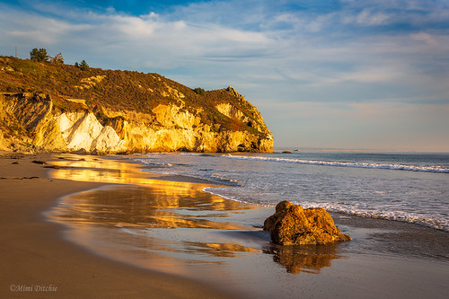 avila avilabeach seascape sunset reflections sand beach cliffs clouds california californiacoast mimiditchie mimiditchiephotography getty gettyimages