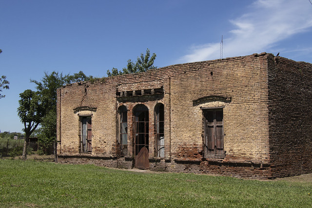 La vieja escuelita de Cucullú - Old school in Cucullu