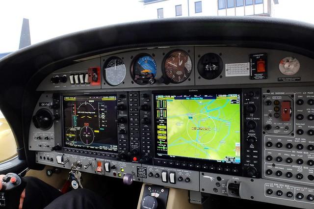 Wiener Neustadt - Diamond DA42 Glass Cockpit