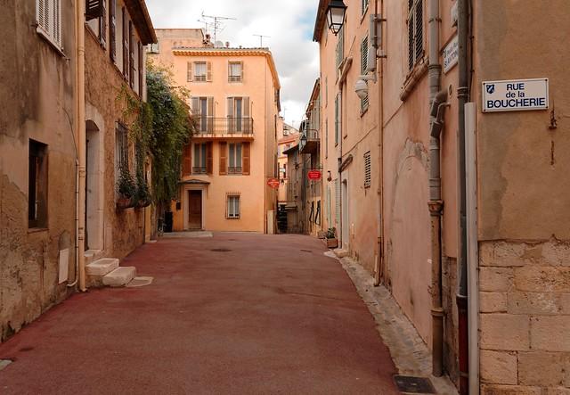 Cannes / Suquet district / Petite Rue Saint Antoine / Rue de la Boucherie