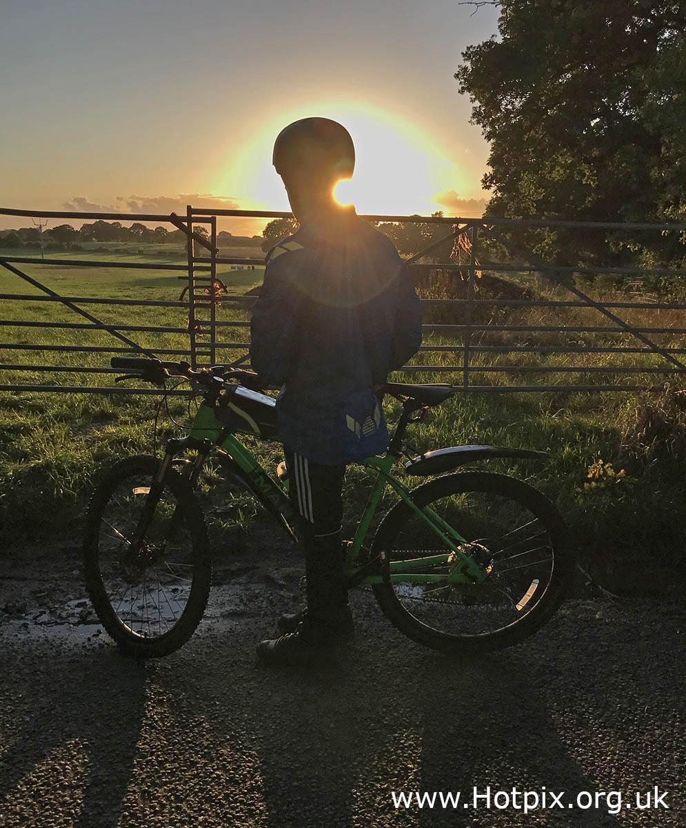 GoTonySmith,HotpixUK,Hotpix,Tony Smith,HousingITguy,365,Project365,2nd 365,HotpixUK365,Tone Smith,wheels,bike,cycle,sunset
