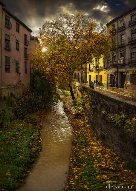 Rio Darro en Otoño, Granada, Andalucía
