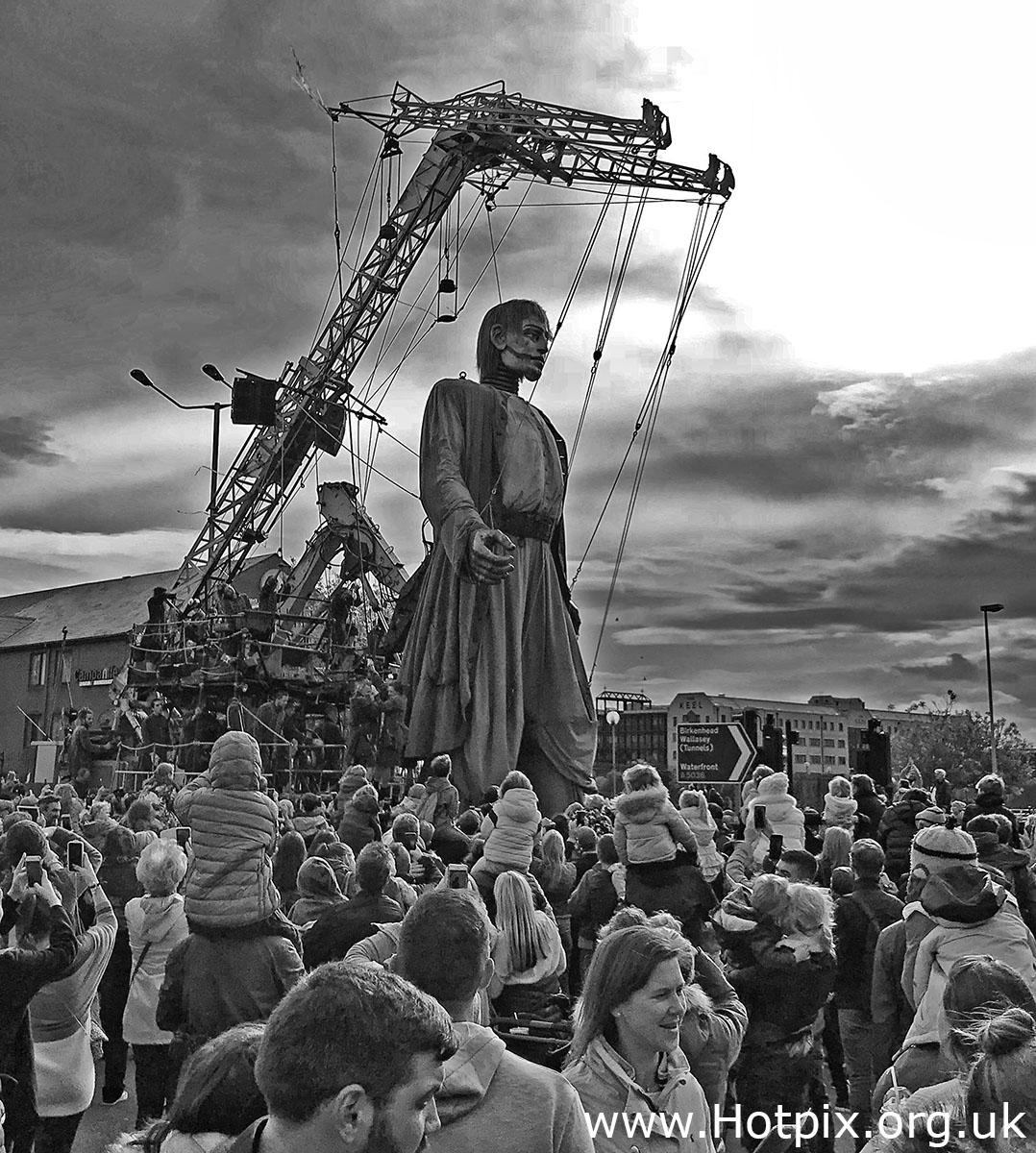 GoTonySmith,HotpixUK,Hotpix,Tony Smith,HousingITguy,365,Project365,2nd 365,HotpixUK365,Tone Smith,Liverpool,Dream,Liverpool Dream,giant,people,statues,machines