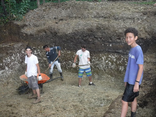 Boys digging (Zuber visiting from Maine!) | by taketwosailing