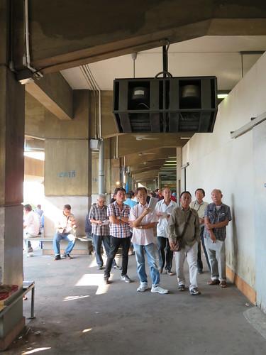 ロイヤルバンコクスポーツクラブの2階裏手通路のモニター