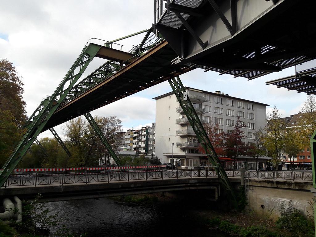 Wuppertal - Germany | en wikipedia org/wiki/Wuppertal_Suspen