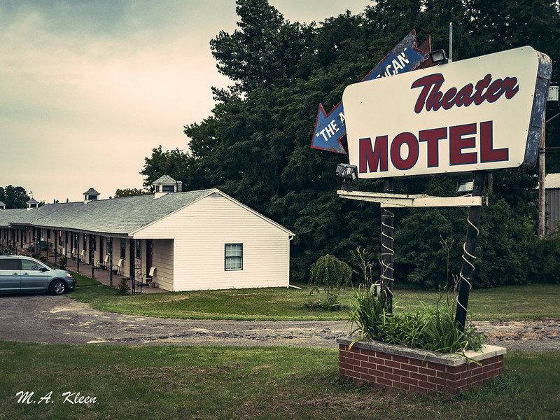 Theater Motel