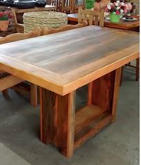 Mesa com base em cachepô