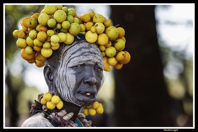 Mujer  Mursi. Parque nacional Mago. Valle del Omo . Etiopia