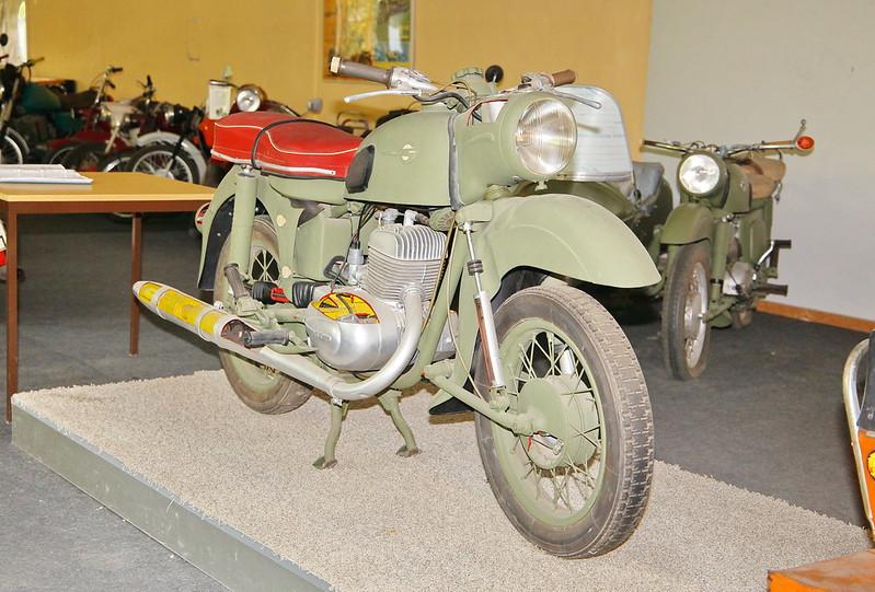 Musées de la moto etc. - Page 3 45337069224_c633763010_c