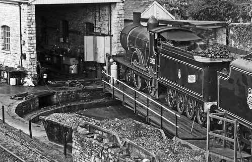 30120 T9 4-4-0 'Greyhound' on the Turntable
