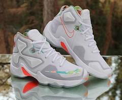 big sale 09b87 bbfff Nike LeBron 13 XIII Trece Easter GS 808709-108 White Mango Size 5.5Y