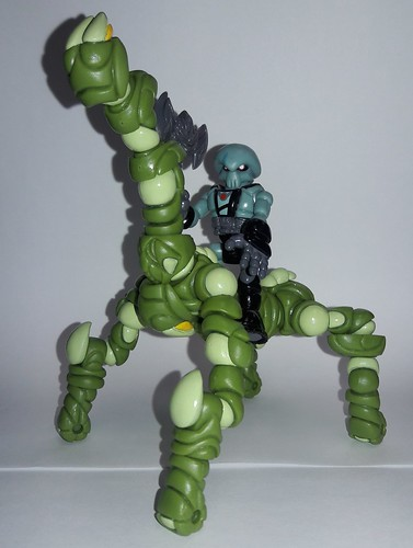2018 Glyos Secret Santa Prize Pack 1: Skeleden Ureydak & Trogillian steed | by Venenor