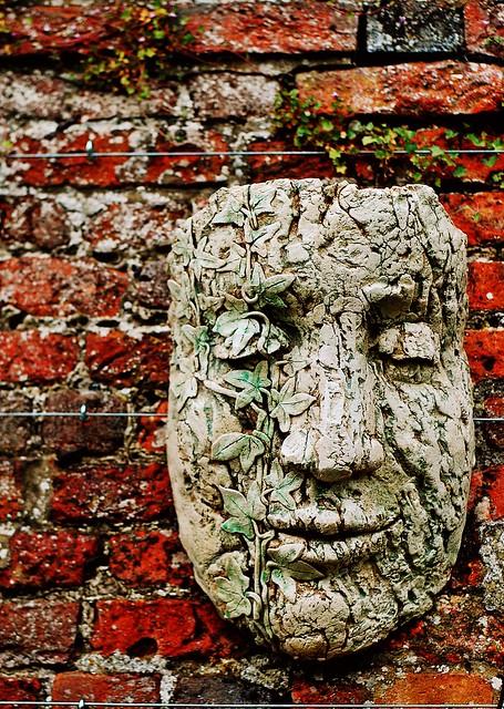 20110429 Garden of the Faces III