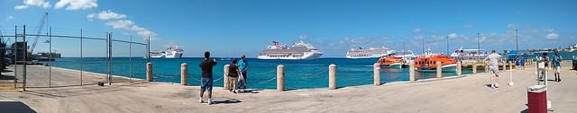4 ships in Grand Cayman
