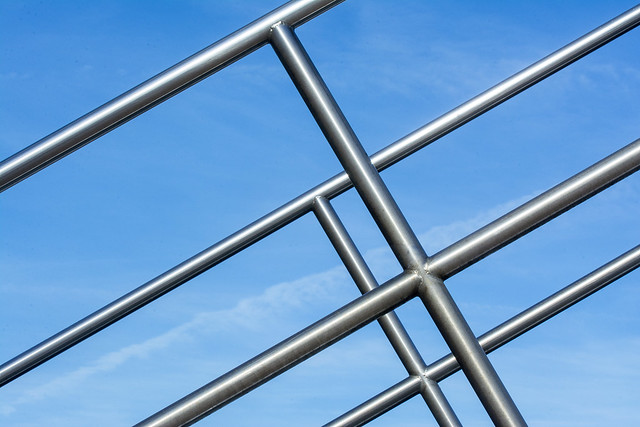Play of lines with stainless steel