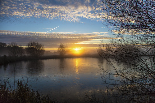 canon5dsr dawn morning sunrise landscape water lake reflection clouds sky outdoors nature cambridgeshire uk