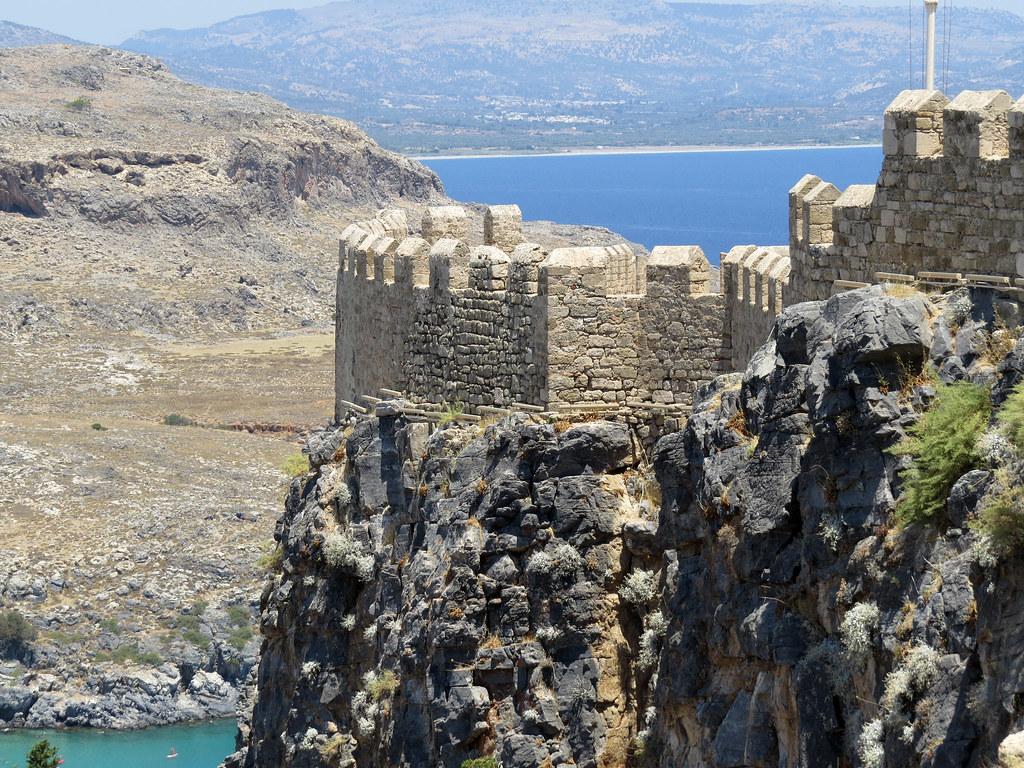 Стены крепости Линдос