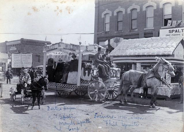 SCN_0195 Pleasantville Jubilee Sept 23-9 1899 Bertha Hayes Kit-Maude-Carp Spaldi Driver M Wilson Fhid Spalti