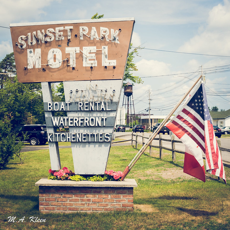 Sunset Park Motel