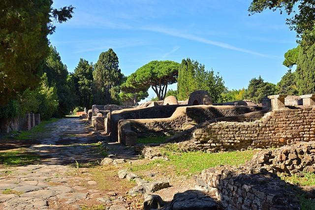 Rome / Ostia Antica / Viale degli Scavi