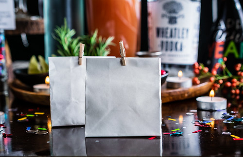 fill mini gift bags with fudge, and send your guests home happy | by Husbands That Cook